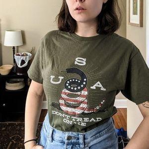 "Vintage USA ""Don't Tread on Me"" Graphic Tee"